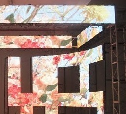 Indoor high resolution LED video screens